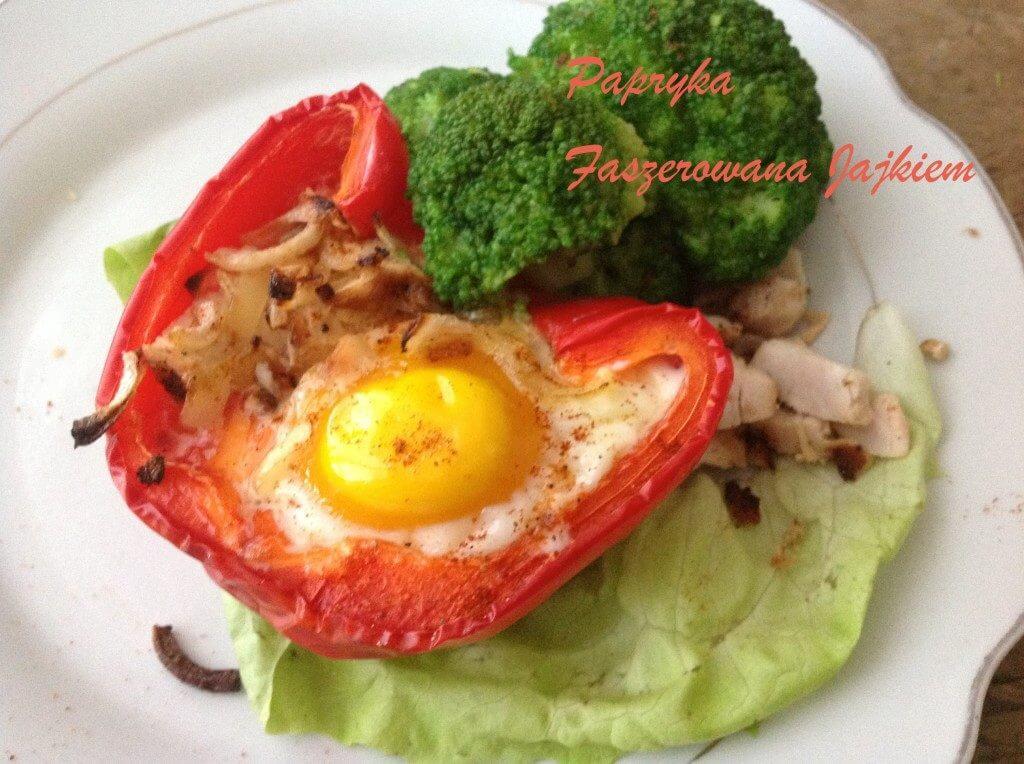 pieczona-papryka-z-jajkiem