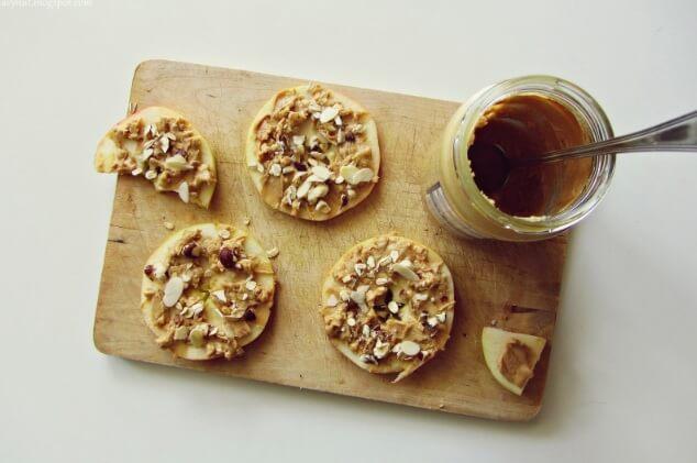 kanapka z jabłka i masła orzechowego