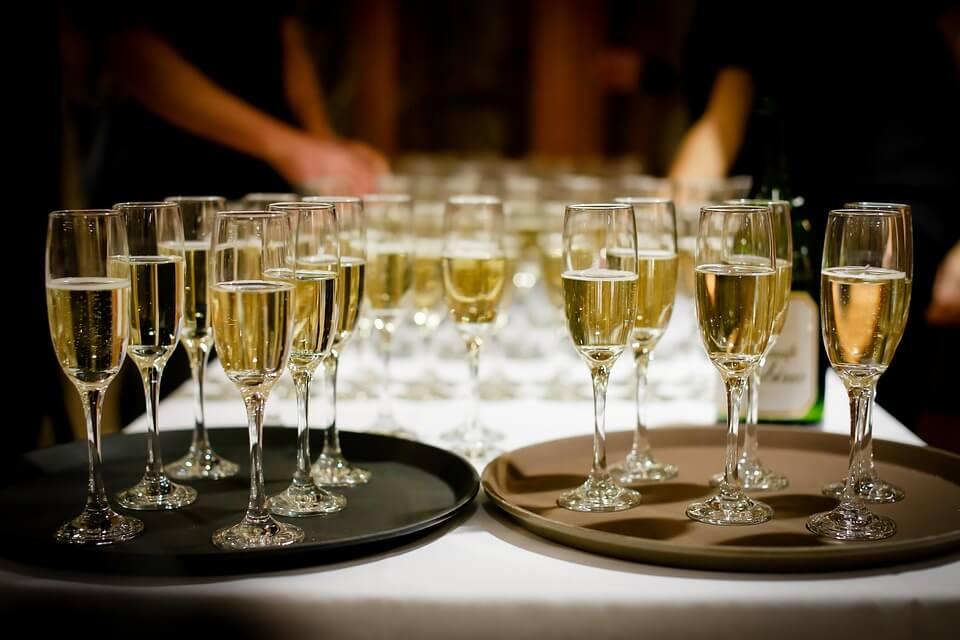 [Obrazek: szampan.jpg]