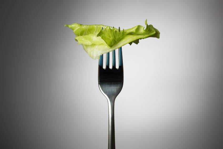 Czy nie jedząc kolacji można schudnąć? | Mangosteen
